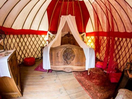 romantic mongolian yurt - ohne Sanitäranlagen : Camping ...