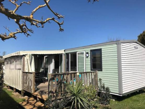 Mobil-home CLIMATISE (3 chambres) 40 m² + terrasse couverte ...