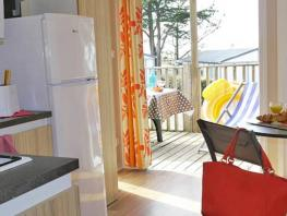 Mobil home Confort 3 chambres + TV + terrasse couverte (- 8 ans)